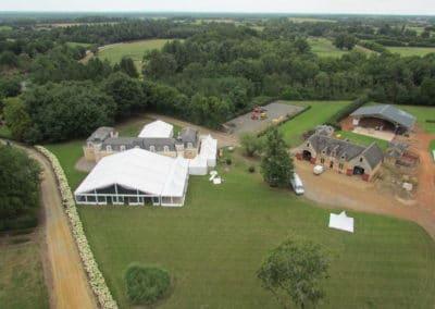Orangerie-Vue aérienne avec la tente pour le mariage