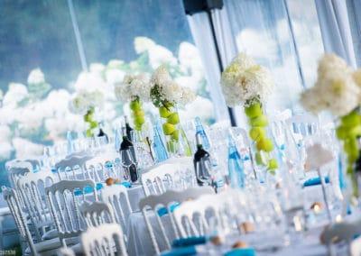 Orangerie-Table décorée pour un mariage