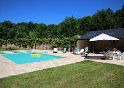 La pelouse et la Treille de Chasselas de la piscine de l'Orangerie
